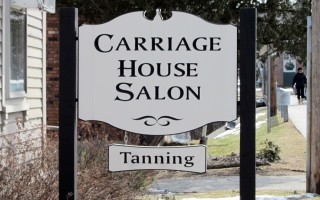 Carriage House – Engraved Sign